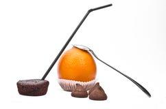 Χυμός, κέικ και σοκολάτα Στοκ εικόνα με δικαίωμα ελεύθερης χρήσης