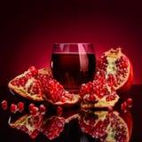 Χυμός και φρούτα ροδιών Στοκ εικόνες με δικαίωμα ελεύθερης χρήσης