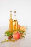Χυμός της Apple στα μπουκάλια Στοκ Εικόνες