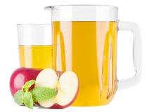 Χυμός της Apple φρούτων στο γυαλί Στοκ Εικόνες