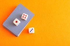 Χωρίστε σε τετράγωνα και μια γέφυρα των καρτών Στοκ Εικόνες