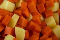 Χωρισμένες σε τετράγωνα καρότο και πατάτα Στοκ Εικόνα