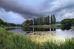 Χωριό λιμνών στον Καύκασο Στοκ φωτογραφία με δικαίωμα ελεύθερης χρήσης