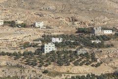 Χωριό και αγροκτήματα στην έρημο της Ιορδανίας στοκ εικόνα με δικαίωμα ελεύθερης χρήσης