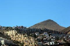 Χωριό στα βουνά στοκ φωτογραφία