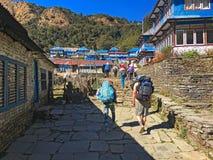 Χωριό στο οδοιπορικό Annapurna βουνών των Ιμαλαίων στοκ φωτογραφία με δικαίωμα ελεύθερης χρήσης