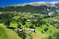 χωριό της Ρουμανίας βουνώ&n Στοκ εικόνα με δικαίωμα ελεύθερης χρήσης