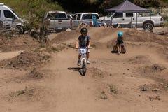ΧΩΡΙΌ APTOS - 14 ΑΠΡΙΛΊΟΥ: 4ο ετήσιο Φε ποδηλάτων βουνών Santa Cruz Στοκ εικόνες με δικαίωμα ελεύθερης χρήσης