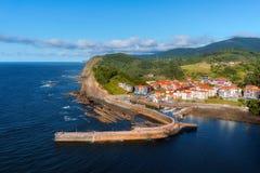 Χωριό Armintza και μικρός λιμένας Στοκ εικόνα με δικαίωμα ελεύθερης χρήσης