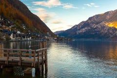 Χωριό Hallstatt το φθινόπωρο, Αυστρία Στοκ εικόνες με δικαίωμα ελεύθερης χρήσης
