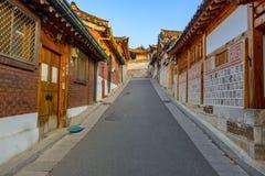 Χωριό Hanok Bukchon, παραδοσιακή κορεατική αρχιτεκτονική ύφους στο S Στοκ εικόνα με δικαίωμα ελεύθερης χρήσης