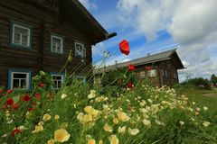 Χωριό Mandrogi το καλοκαίρι, Ρωσία στοκ φωτογραφία
