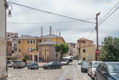 Χωριό Oliena, Nuoro επαρχία, νησί Σαρδηνία, Ιταλία Η οδός Corso Vittorio Emanuele ΙΙ, πλατεία Moro στοκ φωτογραφίες