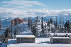 Χωριό Pleso Strbskie (Σλοβακία) που καλύπτεται με το χιόνι Στοκ Εικόνες