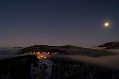 Χωριό Pustevny στη νύχτα Στοκ εικόνα με δικαίωμα ελεύθερης χρήσης