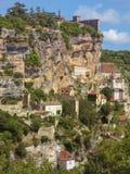 Χωριό Rocamadour που σκαρφαλώνει σε έναν απότομο βράχο, Γαλλία στοκ εικόνες