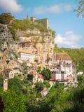 Χωριό Rocamadour που σκαρφαλώνει σε έναν απότομο βράχο, Γαλλία στοκ εικόνα με δικαίωμα ελεύθερης χρήσης