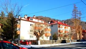 Χωριό Sinaia, χειμερινό θέρετρο στα βουνά Bucegi Carpathians στα βουνά Στοκ εικόνα με δικαίωμα ελεύθερης χρήσης