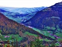 Χωριό Starkenbach στην περιοχή Toggenburg και στην κοιλάδα ποταμών Thur στοκ εικόνες με δικαίωμα ελεύθερης χρήσης