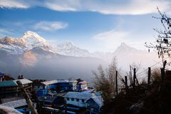 Χωριό Tadapani Βουνά περιοχής Annapurna στα Ιμαλάια του Ν Στοκ φωτογραφίες με δικαίωμα ελεύθερης χρήσης