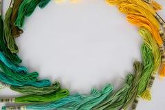 χόμπι πλέκοντας νήμα πολλών ανθρώπων Στοκ Φωτογραφίες