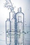 Χύνοντας νερό Στοκ εικόνες με δικαίωμα ελεύθερης χρήσης