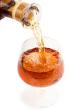 Χύστε ένα ποτήρι του κρασιού Στοκ εικόνες με δικαίωμα ελεύθερης χρήσης