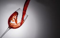 χύστε το κρασί Στοκ εικόνες με δικαίωμα ελεύθερης χρήσης