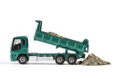 Χώμα εκφόρτωσης φορτηγών απορρίψεων Στοκ Φωτογραφία
