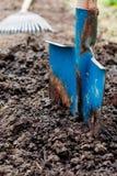 χώμα φτυαριών Στοκ εικόνα με δικαίωμα ελεύθερης χρήσης
