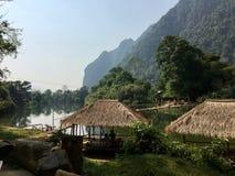 Χώρα του Λάος και καταπληκτική φύση! πράσινα βουνά, πράσινα παντού! στοκ εικόνες