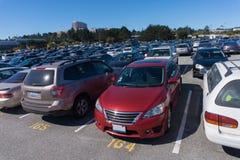 Χώροι στάθμευσης με πολλά οχήματα στο Σαν Φρανσίσκο Καλιφόρνια ΗΠΑ Στοκ φωτογραφία με δικαίωμα ελεύθερης χρήσης