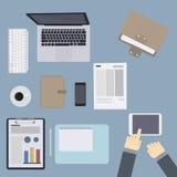 Χώρος εργασίας και ταμπλέτα με το χέρι Απεικόνιση αποθεμάτων