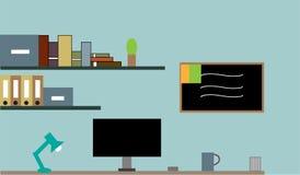 Χώρος εργασίας με τον υπολογιστή και το λαμπτήρα στον πίνακα και βιβλία ενάντια στον τοίχο στοκ εικόνες