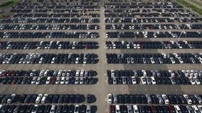 Χώρος στάθμευσης αποθήκευσης με τα νέα αυτοκίνητα Στοκ φωτογραφίες με δικαίωμα ελεύθερης χρήσης
