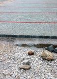 Χώρος στάθμευσης αυτοκινήτων κάτω από την κατασκευή Στοκ εικόνα με δικαίωμα ελεύθερης χρήσης