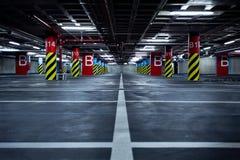 χώρος στάθμευσης γκαράζ υπόγειος Στοκ Εικόνα