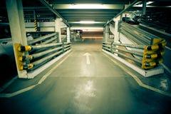 χώρος στάθμευσης γκαράζ Στοκ Φωτογραφίες