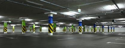 χώρος στάθμευσης γκαράζ &ups Στοκ Εικόνες