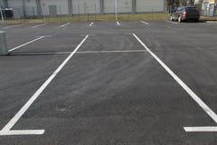 Χώρος στάθμευσης Κενά διαστήματα χώρων στάθμευσης Διαστήματα αυτοκινήτων για το χώρο στάθμευσης Στοκ Εικόνα
