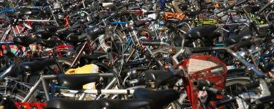 χώρος στάθμευσης ποδηλά&tau Στοκ Φωτογραφίες