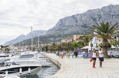 Χώρος στάθμευσης των βαρκών και των γιοτ σε Makarska, Κροατία Στοκ Εικόνα
