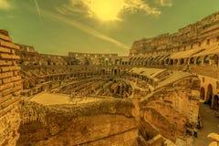 Χώρος Coliseum στο χρόνο βραδιού Στοκ Εικόνες