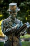 Χ Γ _ Αυστριακός καλλιτέχνης την ώρα της παράστασης κατά τη διάρκεια του διεθνούς φεστιβάλ των αγαλμάτων διαβίωσης, Βουκουρέστι,  στοκ εικόνα με δικαίωμα ελεύθερης χρήσης