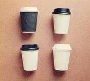Χλεύη φλυτζανιών καφέ εγγράφου επάνω για το μαρκάρισμα ταυτότητας στοκ εικόνες με δικαίωμα ελεύθερης χρήσης