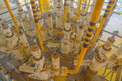 Χ-μαζικό δέντρο και γραμμή ροής για τη διαδικασία παραγωγής πετρελαίου και φυσικού αερίου Στοκ φωτογραφίες με δικαίωμα ελεύθερης χρήσης