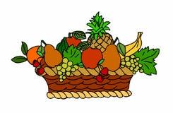Ψάθινο καλάθι με τα φρούτα στο άσπρο υπόβαθρο Στοκ εικόνα με δικαίωμα ελεύθερης χρήσης