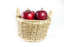 Ψάθινο σύνολο καλαθιών των μήλων Στοκ Εικόνα