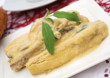 Ψάρια με τη σάλτσα μουστάρδας στοκ φωτογραφία