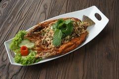 ψάρια που τηγανίζονται Στοκ Φωτογραφία
